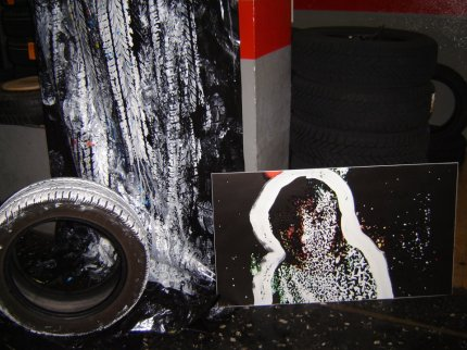 Performance con nylon, pneumatico e vernice ad acqua